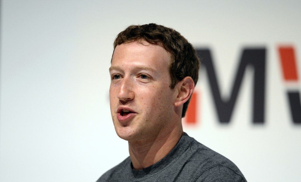 Politicians on both sides of the Atlantic are calling on Facebook Chief Executive Officer Mark Zuckerberg to appear before lawmakers to explain how U.K.-based Cambridge Analytica, the data-analysis firm that helped Donald Trump win the U.S. presidency, was able to harvest personal information.