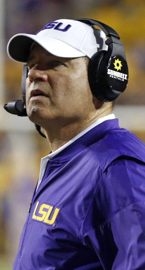 Les Miles, 65, who coached Louisiana State to the 2007 national championship, will take on the task of guiding Kansas to prominence.