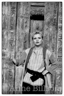 Renée Soutendijk, actor. London, 1984.