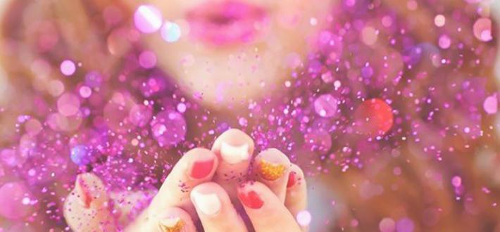 Como tirar glitter do corpo após a Folia