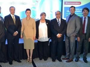 Patric Dunn, José Peralta, Melba Segura de Grullón, Soila González, Oscar Ramírez, Ian Monroe y José Joaquín Campos.
