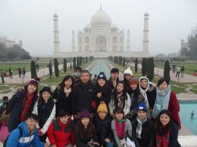 taiwan-students-taj-mahal