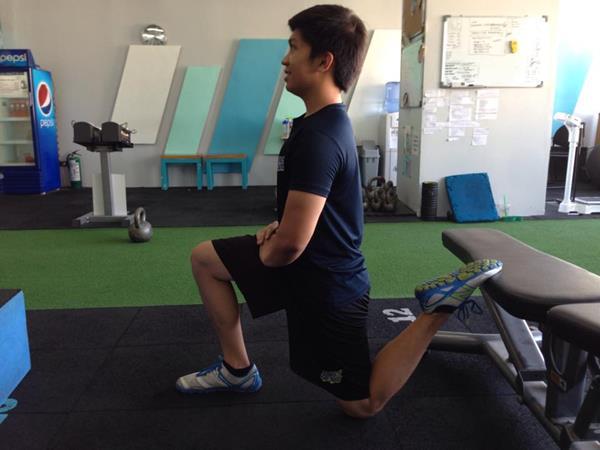 ms_training_17_Quad and Hip Flexor Stretch 2