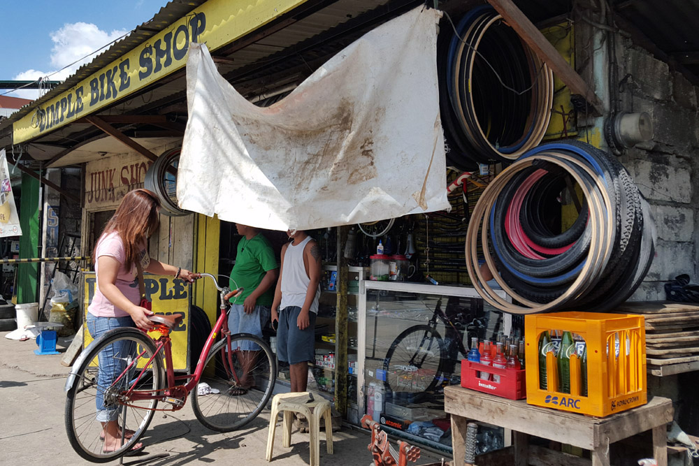 Dimple's (Carlito Gomez) Bike Shop