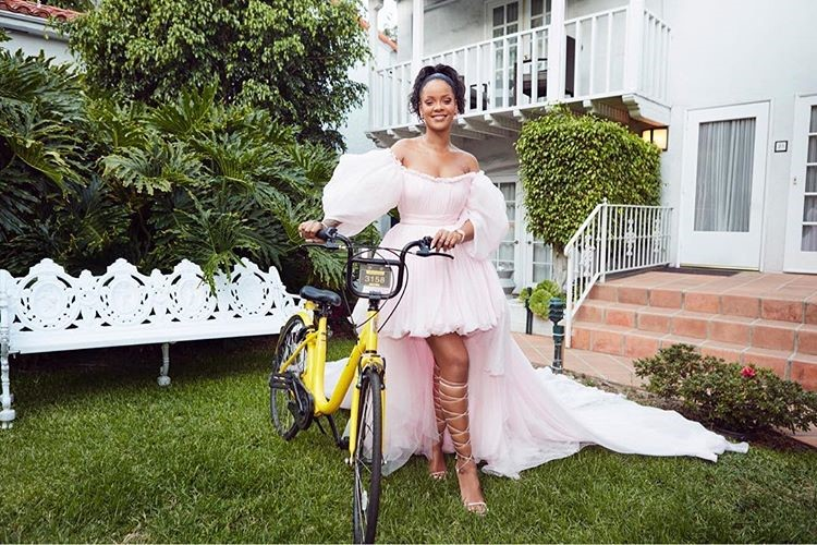 Rihanna bike sharing