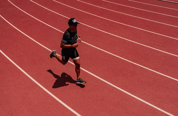 Need speed? Do these track workouts to run faster and…