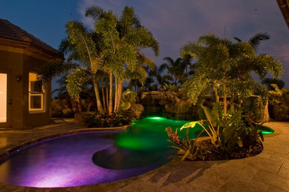 landscape-lighting-outdoor-pool-lights-sarasota-florida-2