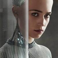 """""""אקס מכינה"""", ביקורת - האם מתכנתים חולמים על אנדרואידיות מחשמלות?"""