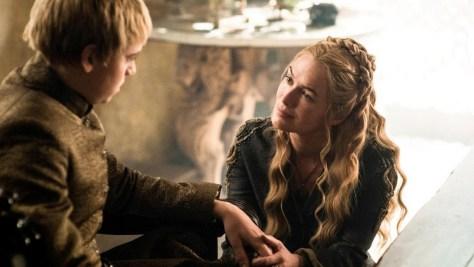 """""""בטוח שאתה לא מעדיף את אחותך על פני השקרנית המטונפת?"""""""