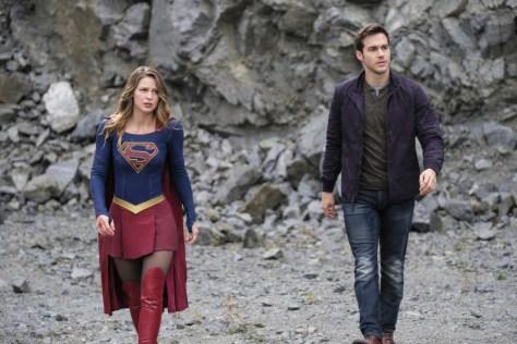 supergirl-lives-08