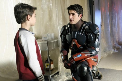 DC's Legends of Tomorrow, Phone Home 04