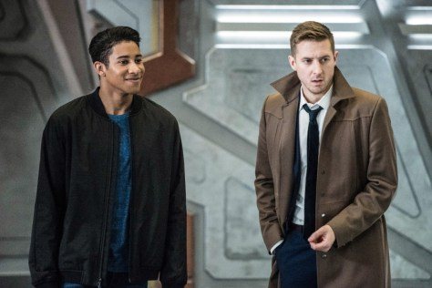 Legends of Tomorrow, No Country for Old Dads 98