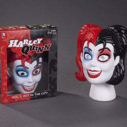 Harley Quinn Mask and Book Set Featured