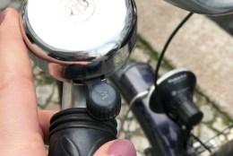 Ein Fahrrad, bunte Fingernägel und ein kleines bisschen Freiheit