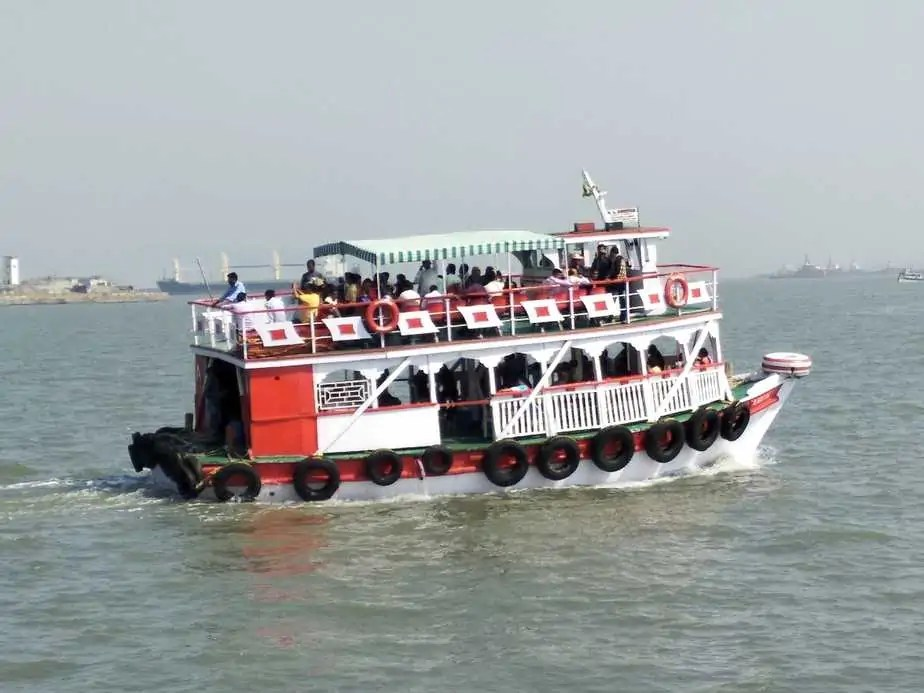 Boat at Gateway of India
