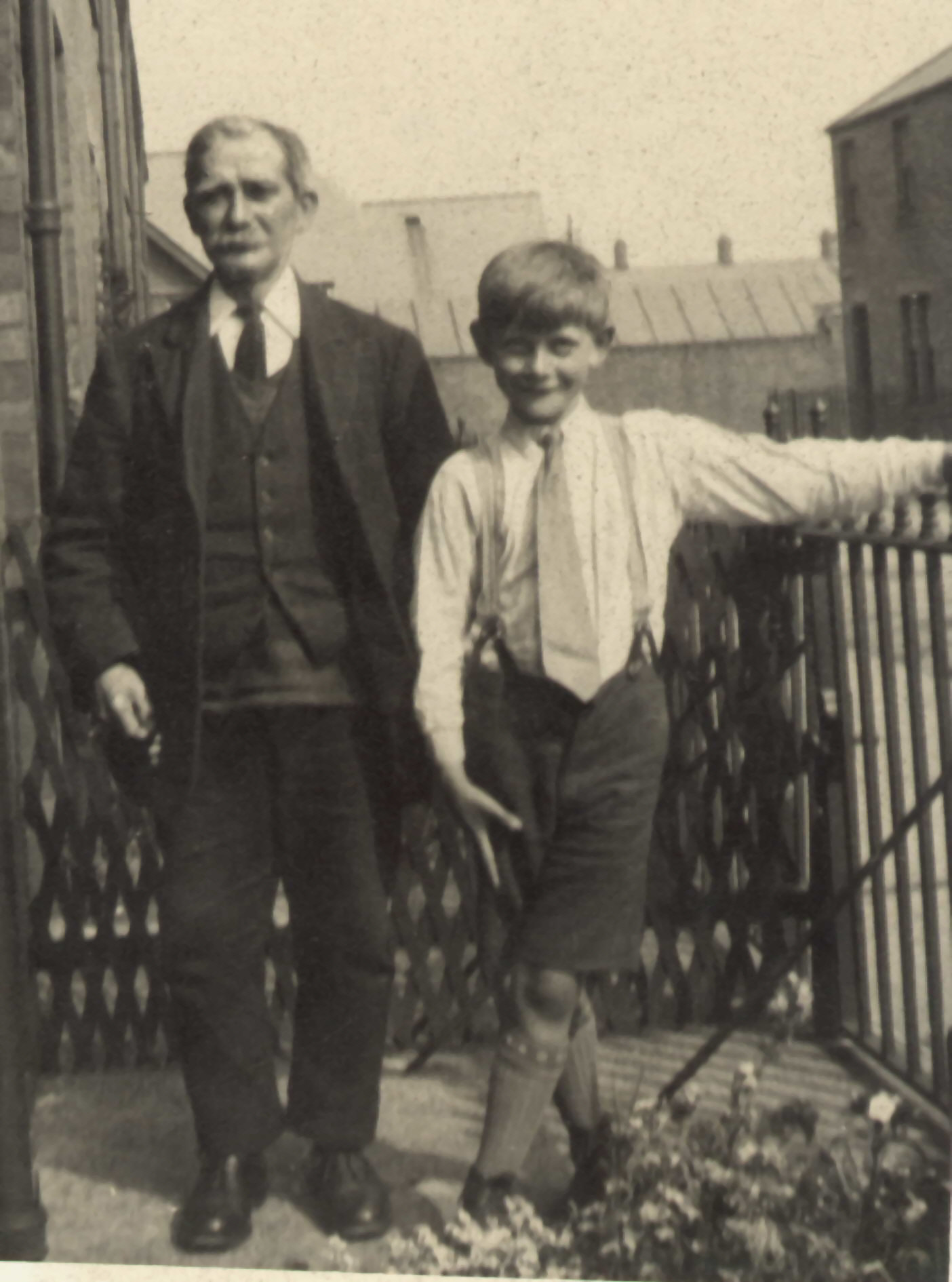George Duddridge with George Weallans (c1930)