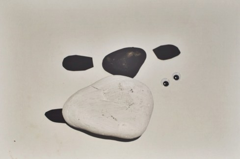 A craft project creating a sheep paper weight from a pebble, it makes a great present for a teacher