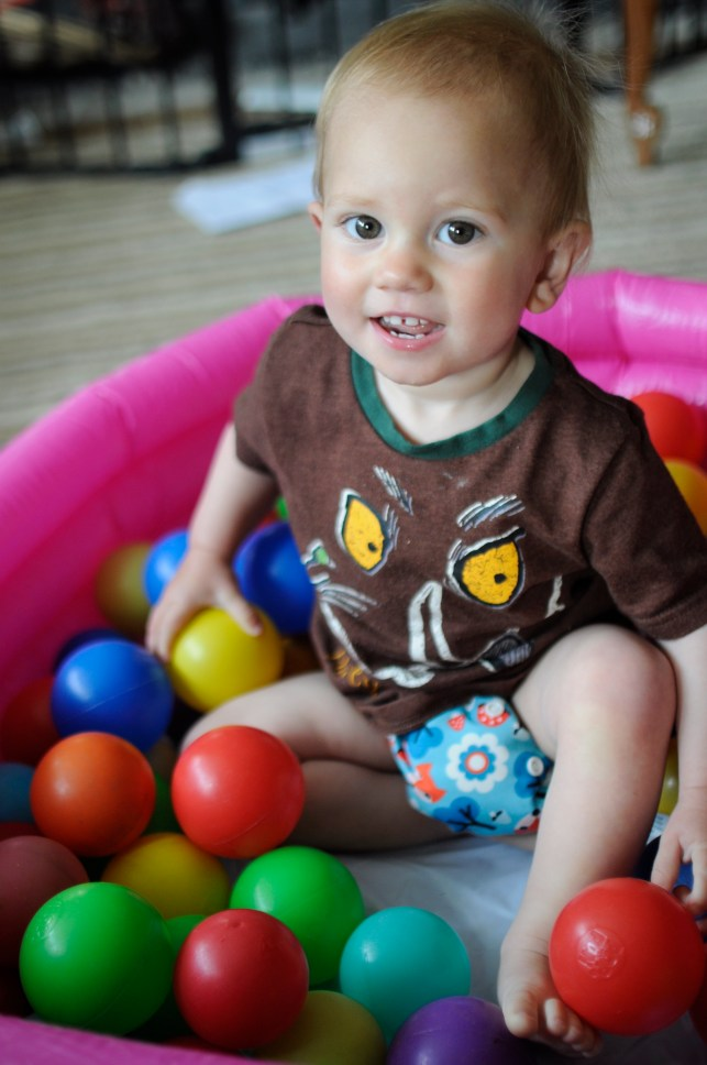 Living Arrows – Our homemade ball pool