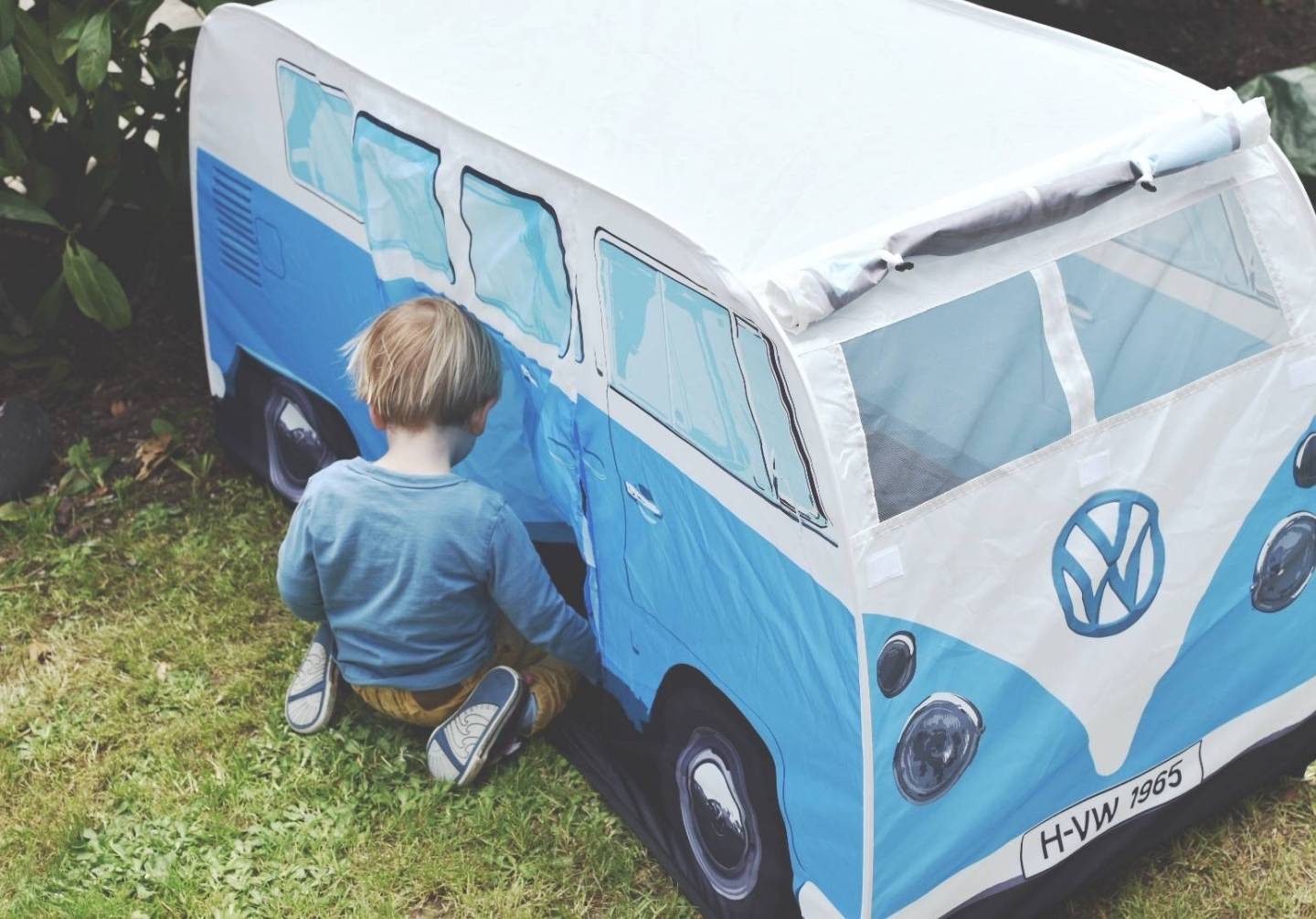 liven up your garden and keep your children safe in the funkiest of ways with a VW campervan play tent from Planet Camping