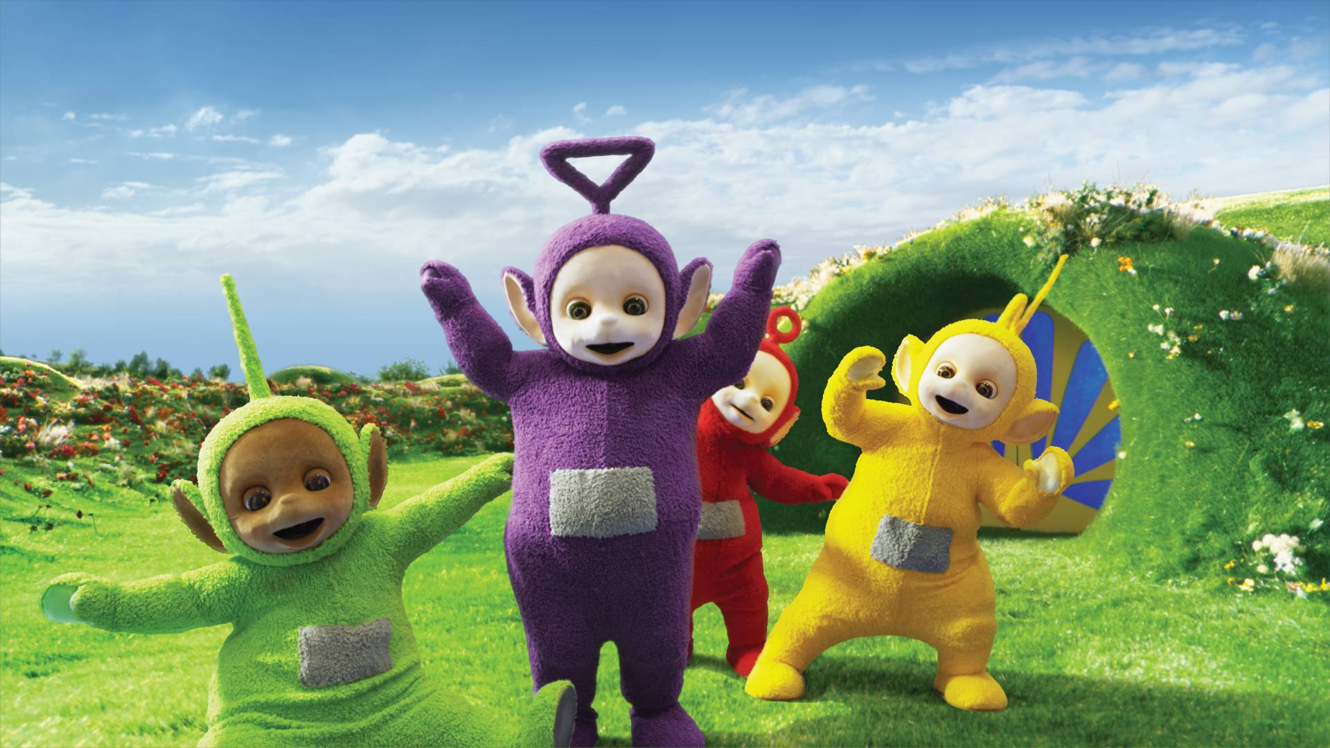 my son loves the Teletubbies, just like his oldest brother did too, I'm not sure what it is about those 4 crazy characters but it sure does lure the kids in!