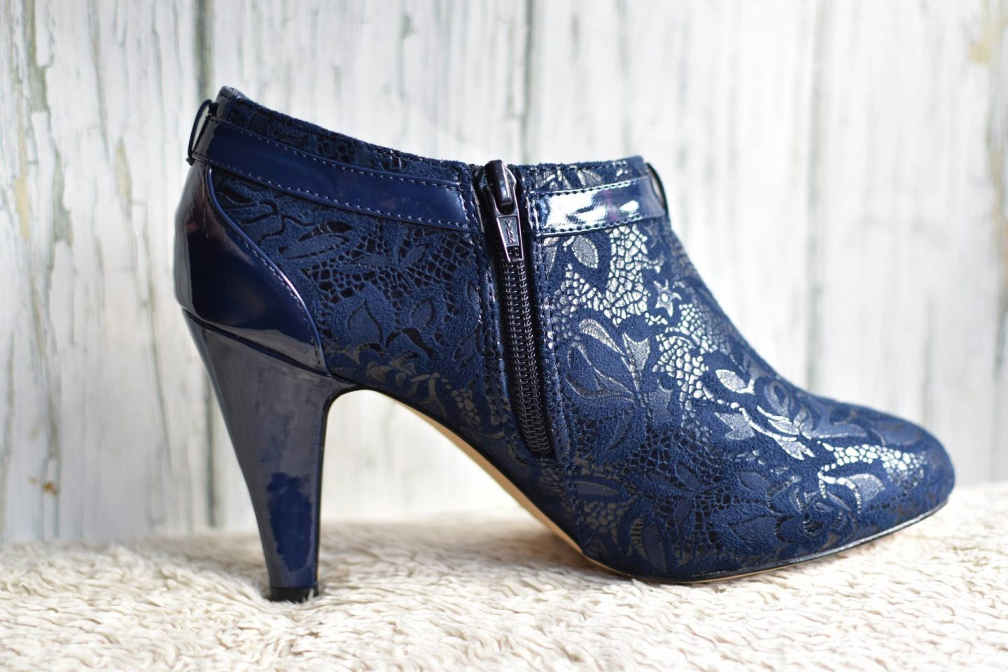 loving these booties, perfect for dressing up jeans or a little back dress this autumn and winter
