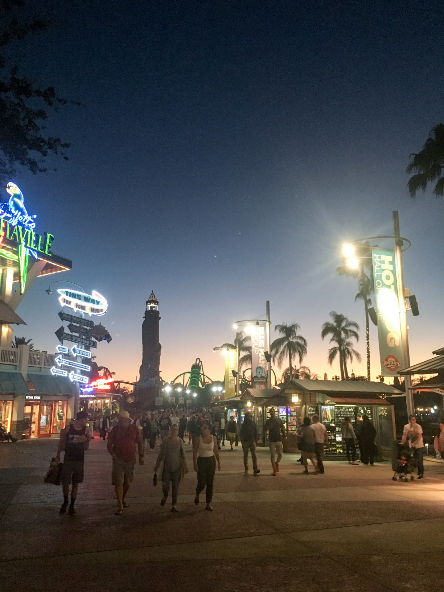 This is my last post on my holiday to Orlando staying at Universal Resort and I'm sharing everything you need know about their theme parks