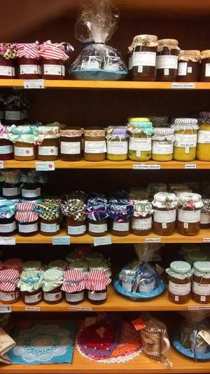 Lots of yummy jams and pickles here. (Hay Cottage)