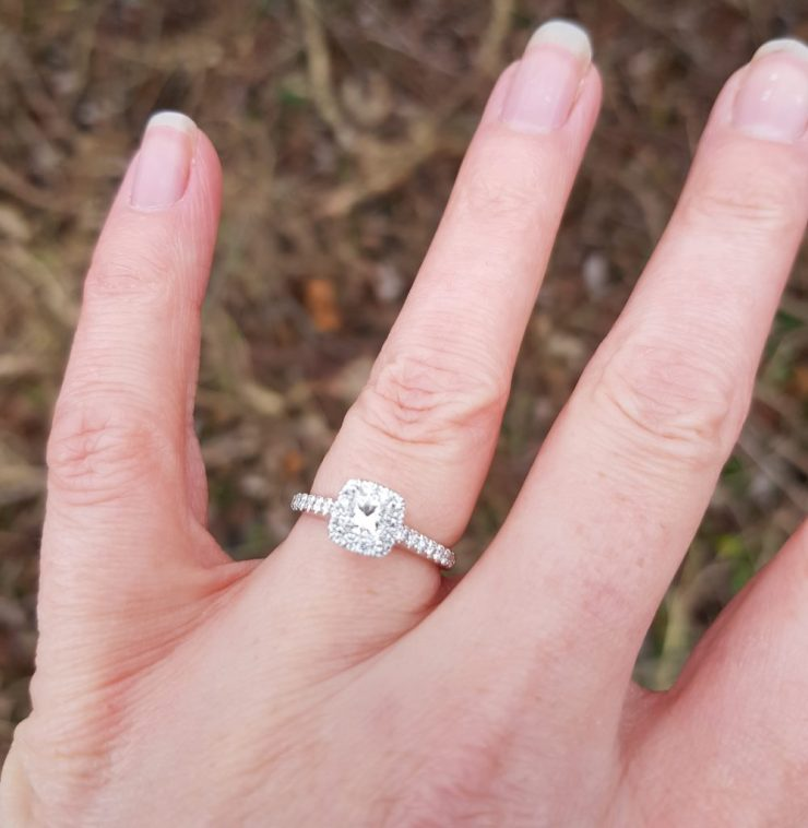 sparkly-diamond-engagement-ring-on-ladies-finger