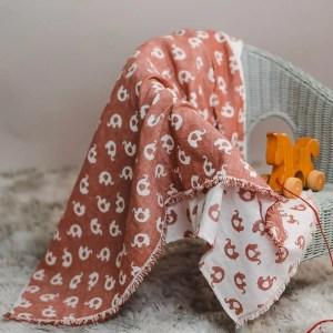 leichte Babydecke – Elefanten – rostorange