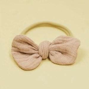 Babyschleife – altrosa Musselin