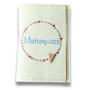 Mutterpasshülle – Kranz mit Herzen