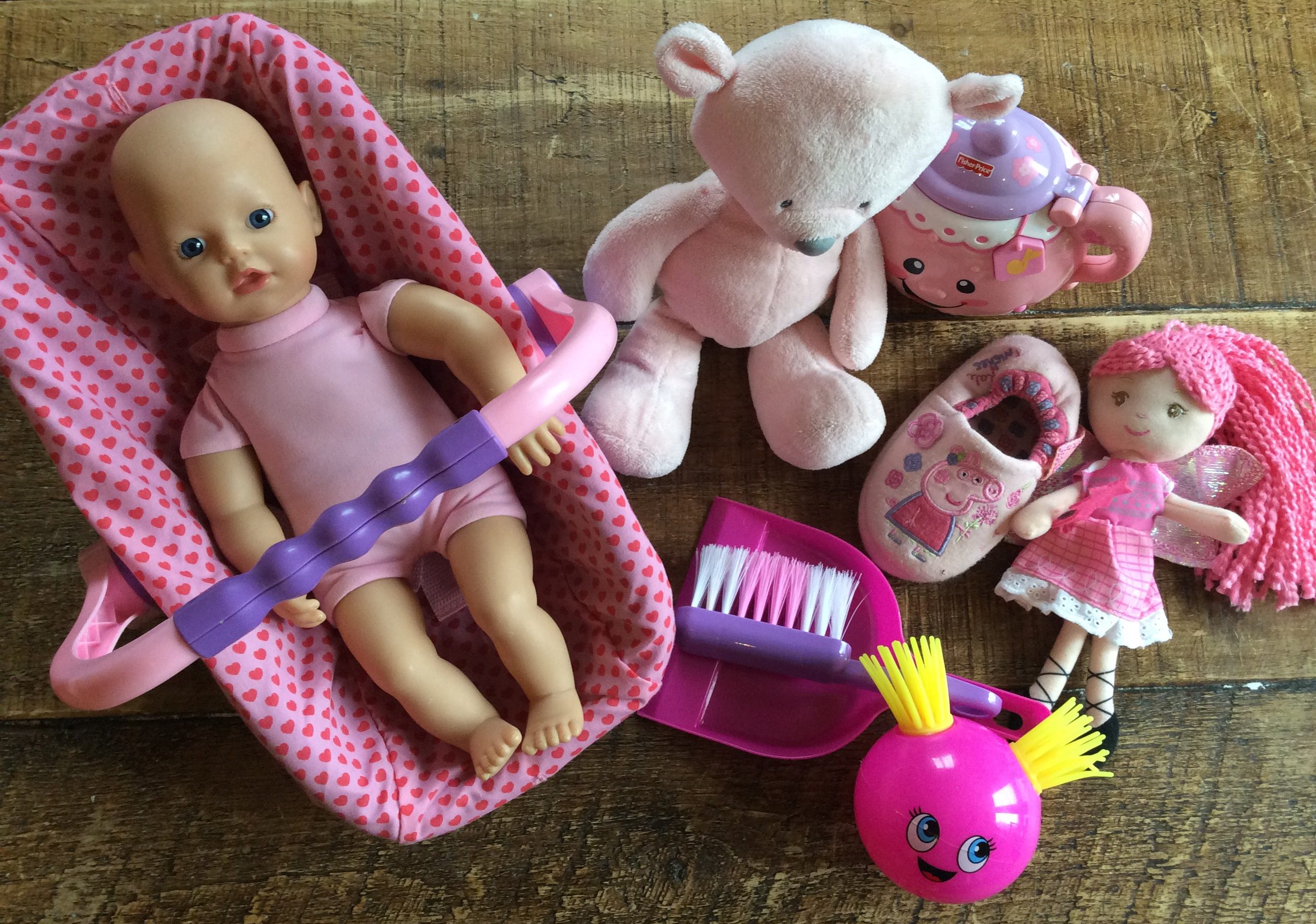 5 Reasons to Avoid Buying Pink for your Daughter
