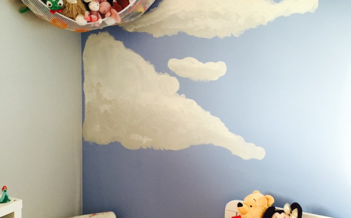 Creating a storytime corner in a little girls bedroom
