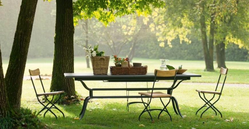 5 top outdoor furniture items to cherish in your garden