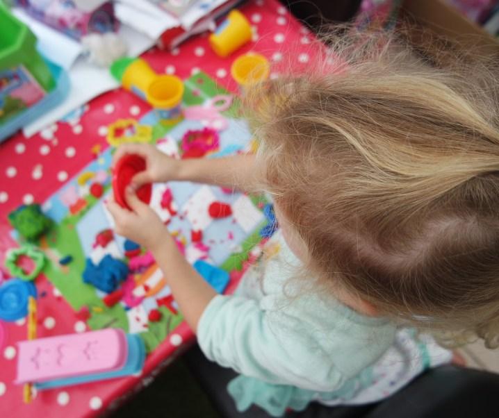 Peppa Pig Craft: Softee Dough Picnic Playset