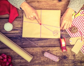 Romantic craft ideas for a red hot Christmas
