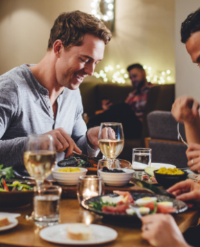 Dining decisions – Sticking to your diet goals when eating out