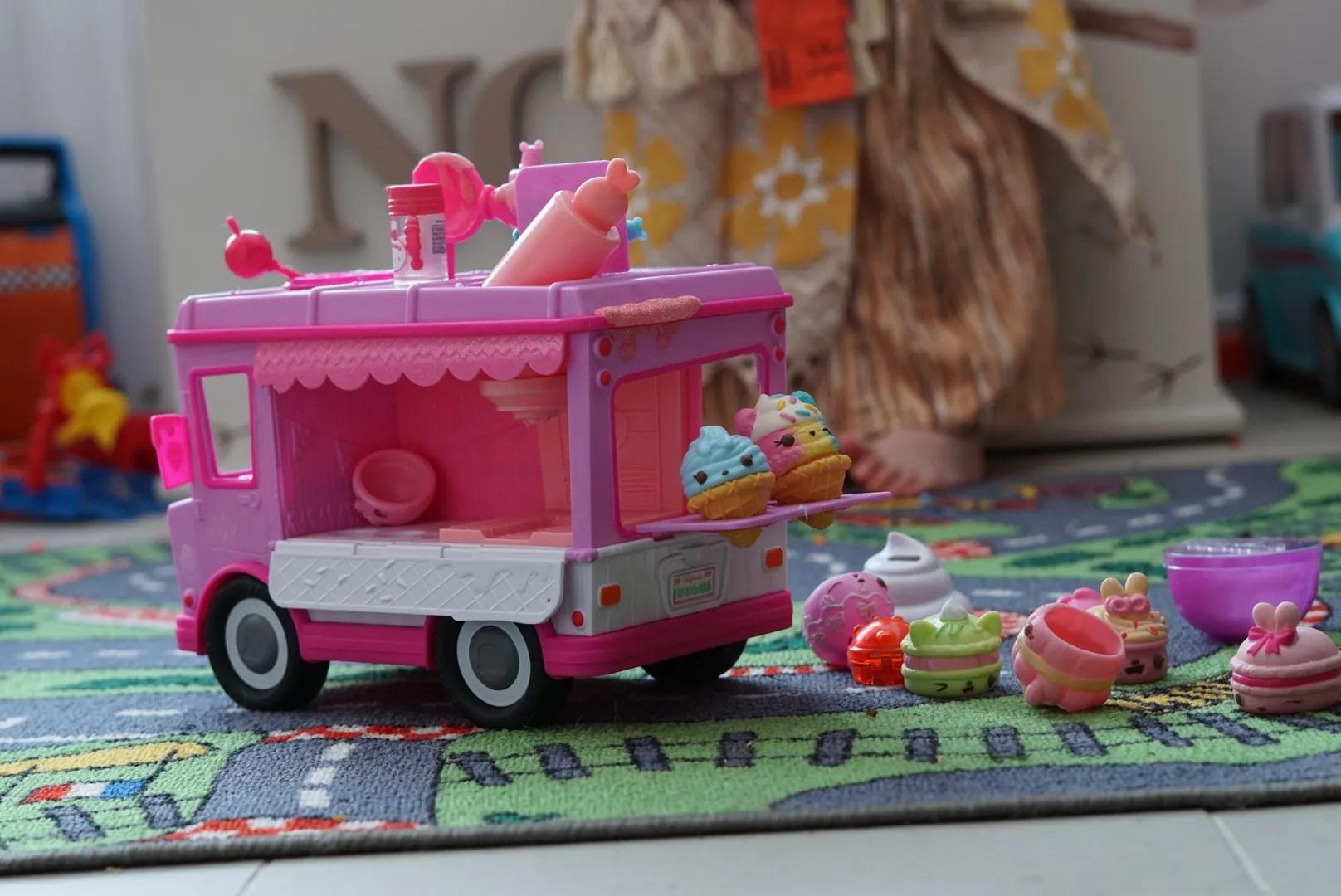 The Num Noms glitter lipgloss truck