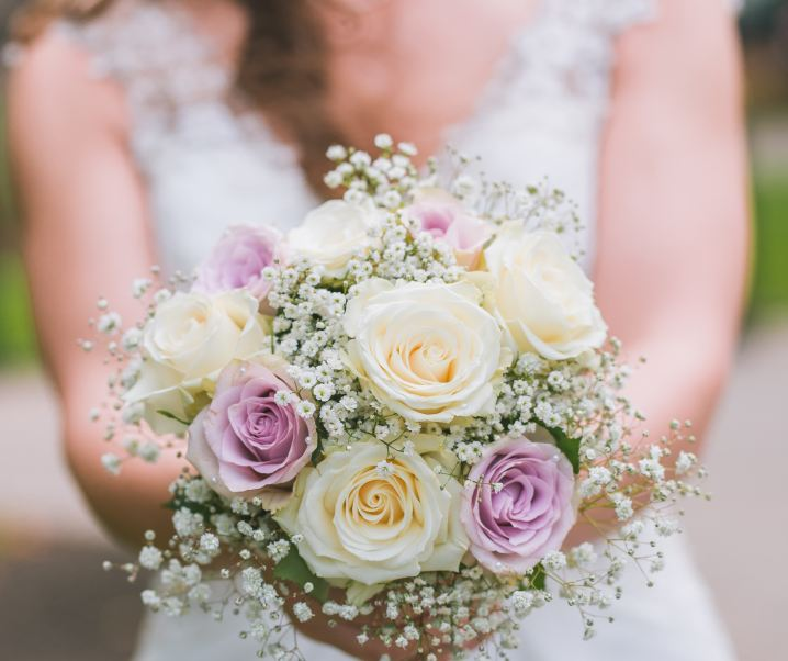 What expenses bridesmaids are expected to cover