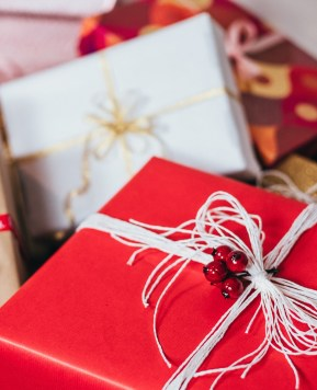 5 Clever ways to use the holiday season to build brand loyalty