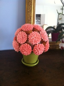 Fower pot with cupcakes