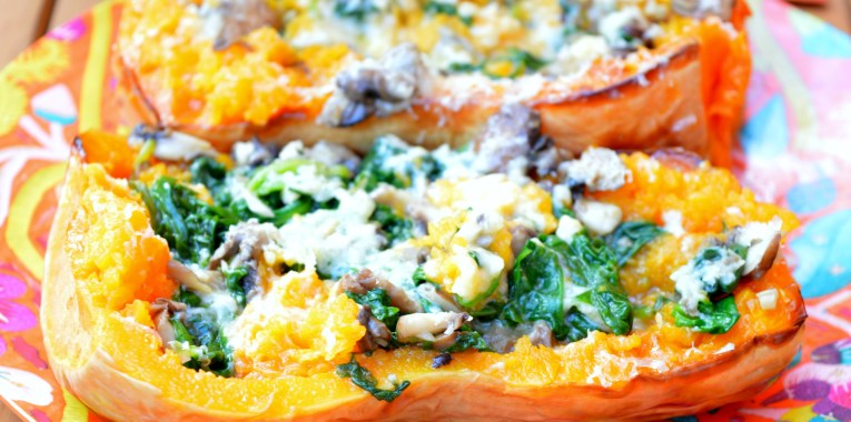 MeatlessMonday: Spinach & Mushrooms Spaghetti Squash