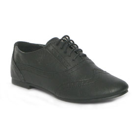 Brogues, shoes, kids shoes, childrens shoes, black brogues, laces