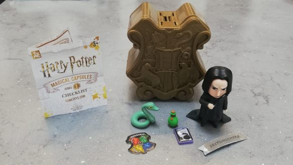 contents of harry potter magical capsule