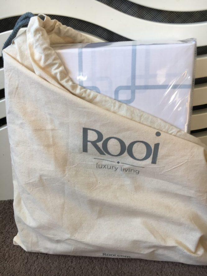 Rooi luxury bedding set
