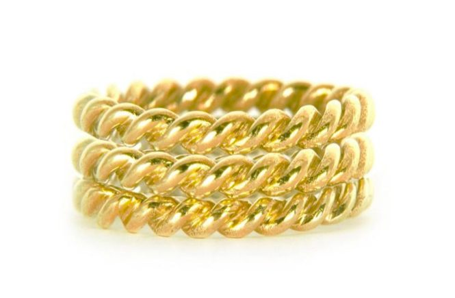 Lace Triple Ring in yellow gold