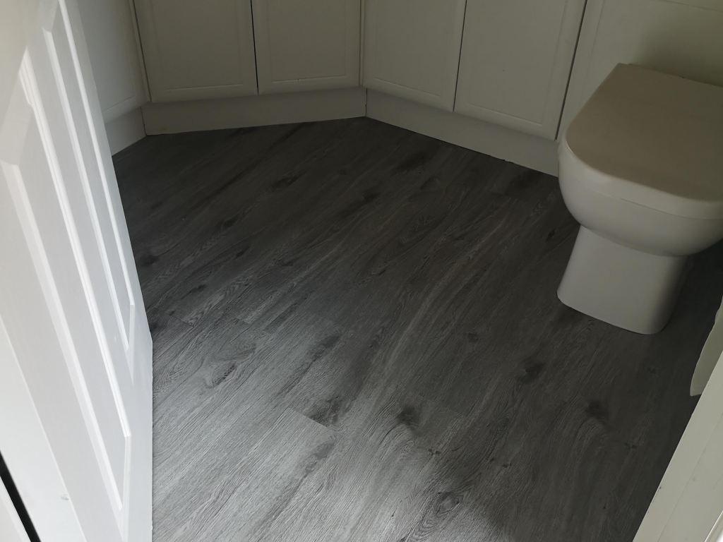 B&M Self Adhesive Floor Planks: a Cheap DIY Bathroom Floor Update