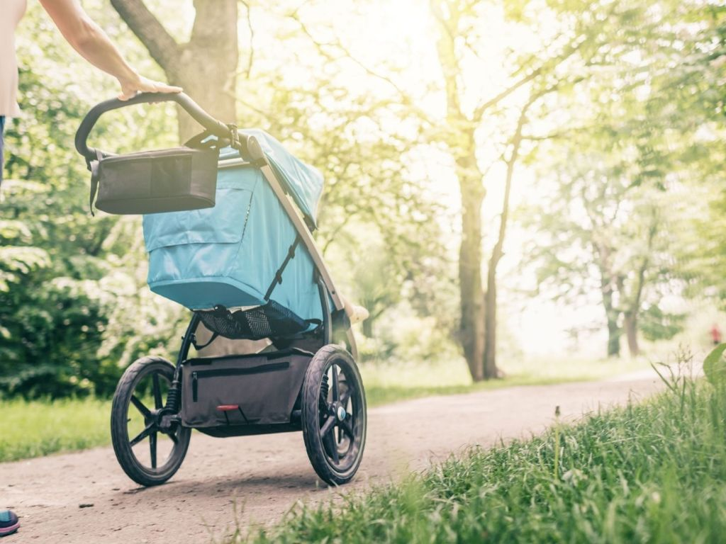 4 Tips for Saving Money on a New Pushchair