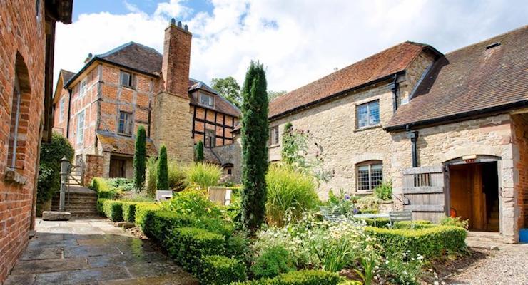 Old Downton Lodge courtyard