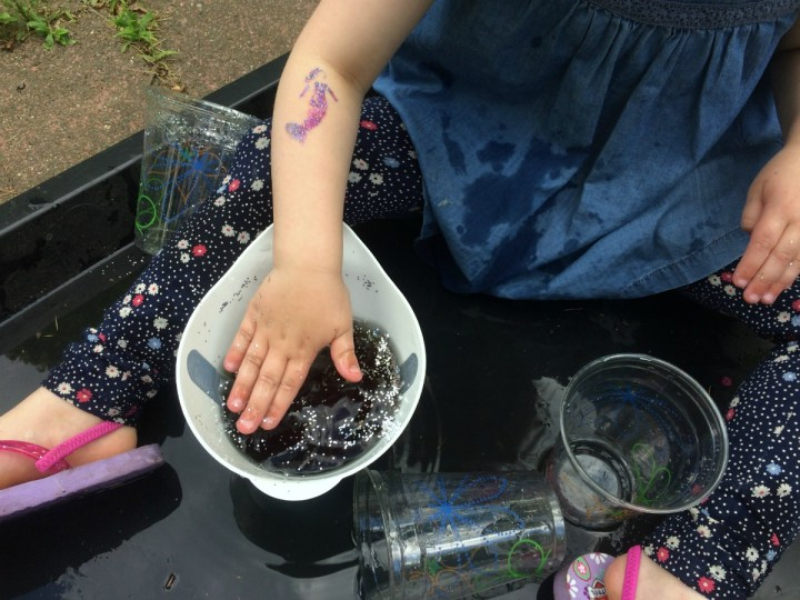 color-mixing-glitter-potions-8